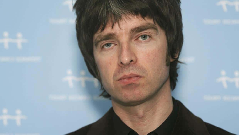 Noel Gallagher sa svojim bendom izdaje kompilaciju najvećih hitova