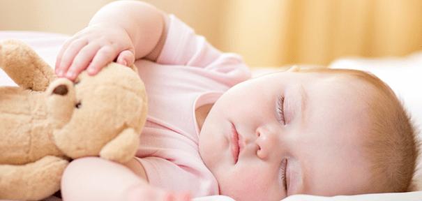 kako bebe napreduju po mjesecima