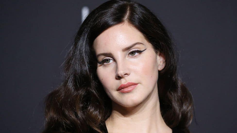 """Lana Del Rey najavila izlazak albuma """"Blue Banisters"""""""